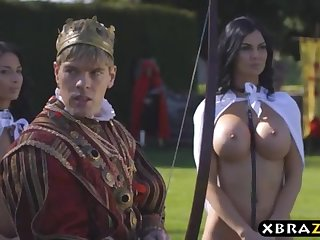 King romps his buxom dissolutely assistants Jasmine and Anissa