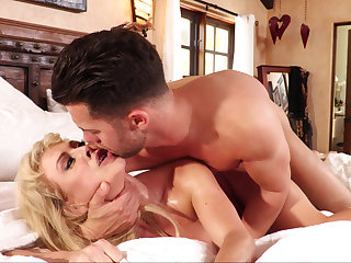 Stepson cums all over his mommy