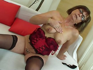 Mature amateur granny Jana strips and gets fucked by a fat cock