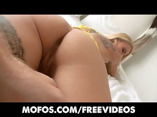 Lets Essay Anal - Bubble-butt blonde loses her anal virginity