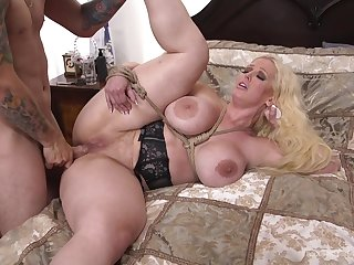 Brave and busty Alura Jenson decides to shot new similarly of sex pleasure