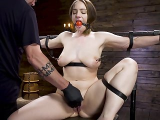Ingenious sexual intercourse machine and hard cum are favorite things be required of Hadley Mason