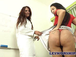 MILF tutor seems with respect to have a crush on her student's massive Brazilian booty