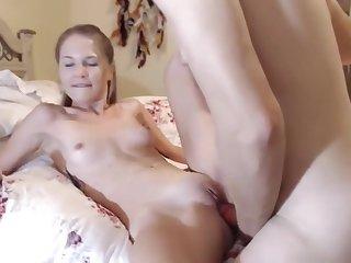 Fucked beauty and earned a webcam. Beauty detached